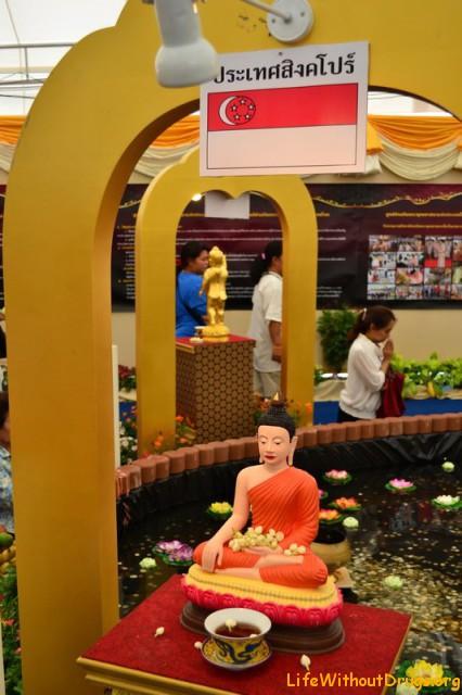 Статуи Будды на день рождения Будды в Бангкоке