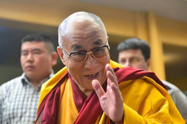 Уроки Далай-ламы в Дарамсале