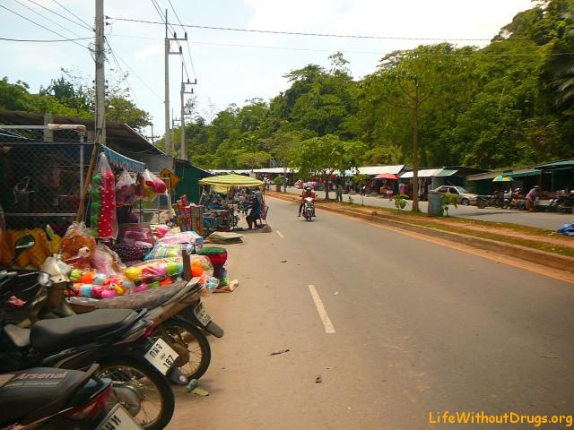 Сатун и рынок возле границы Таиланд - Малайзия