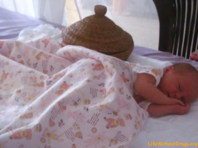 Наша новорожденная дочка
