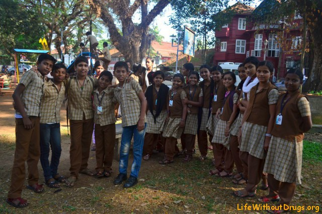 Индийские школьники