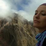 Предложение руки и сердца на вершине вулкана Агунг