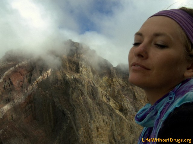 Лена и Великий вулкан Агунг