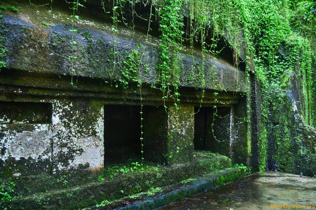 Храм Гунунг Кави
