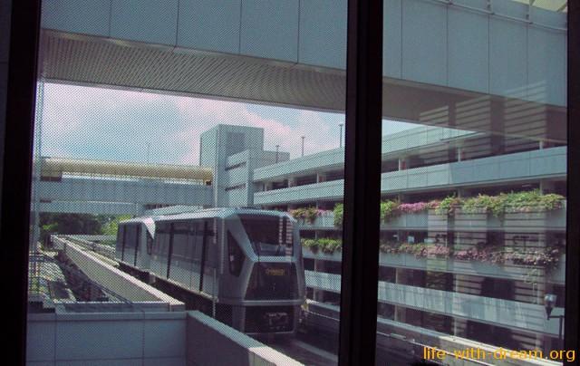Skytrain аэропорт Сингапура