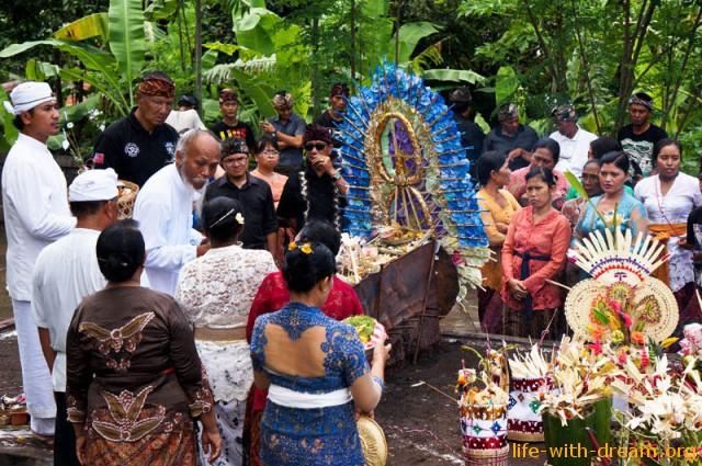 ceremoniya-kremacii-na-bali-18