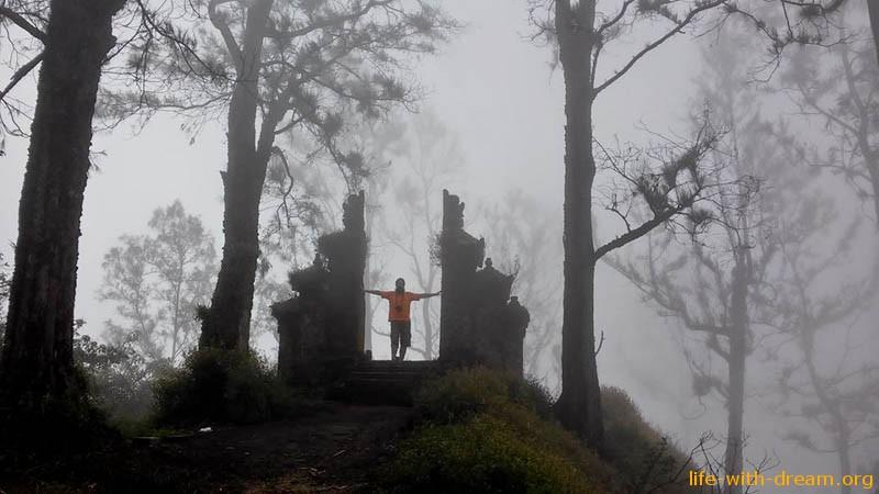 Восхождение на гору Абанг и тайна исчезнувшего храма.