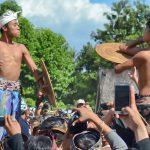 Как мы попали на ритуальные бои в деревню Тенганан, где живет народность Бали-ага.