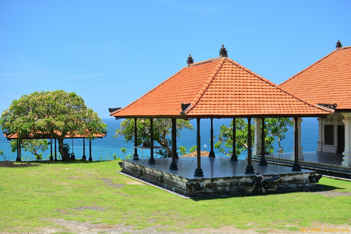 Гунунг Паюнг (Gunung Payung beach) - волшебный пляж горы Паюнг на Бали