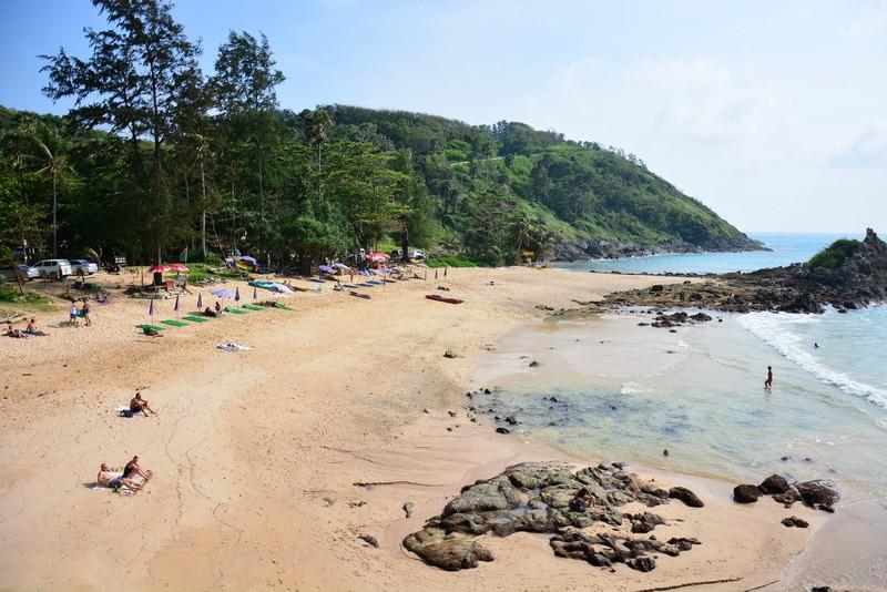 Пляж Януй (Yanui beach) - уютная бухта под мысом Промтеп