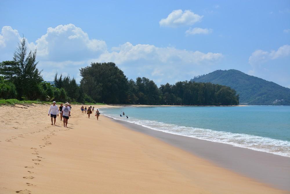 Пляж Най Янг (Nai Yang Beach) - парк королевы и пляж с приземляющимися самолетами