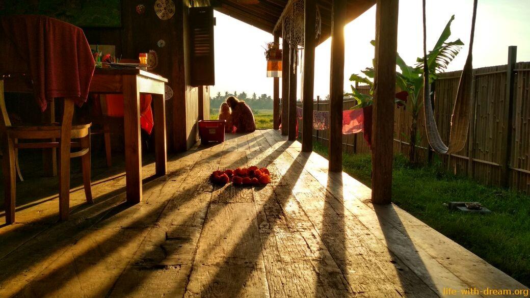 Деревянный дом на Бали. Взгляд Наташи.